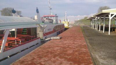 laevareisid Naissaarele Kalasadamast